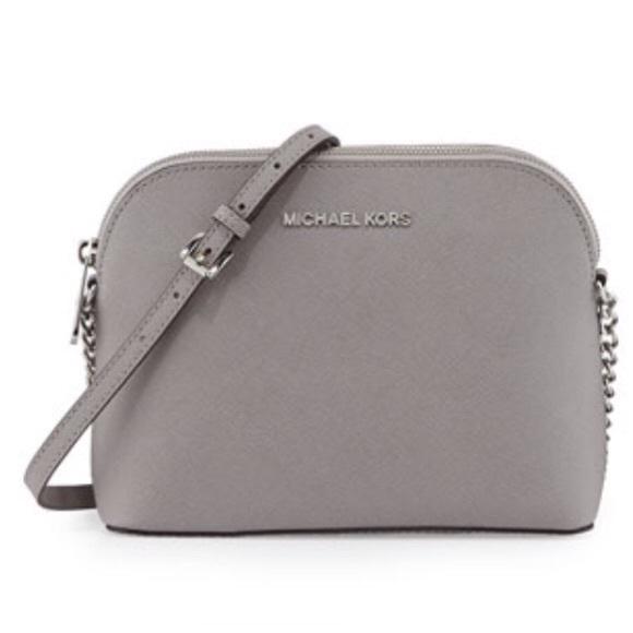70e16f27ca4d Michael Kors Small crossbody purse. M 5b5f61b29e6b5bb0fb7978a3